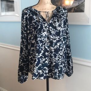 Excellent condition Blouse by Vera Wang Size PL